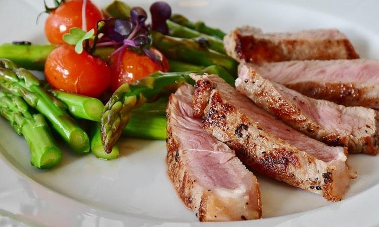 Скажи мне, что ты ешь... Как правильно питаться и не навредить себе