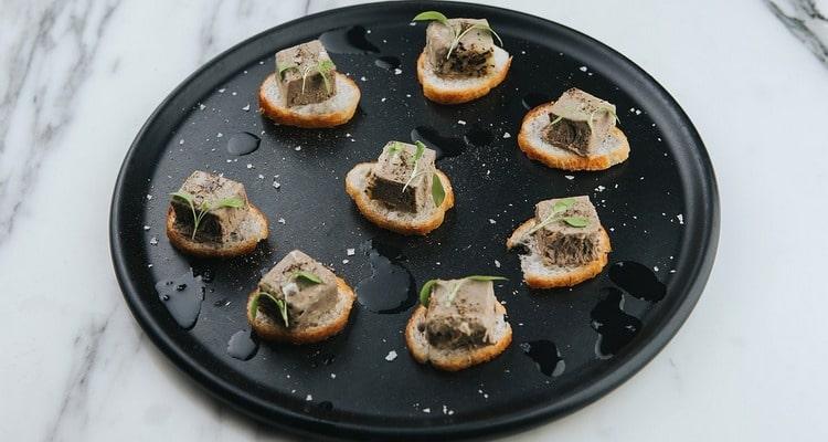 Овощной паштет с шампиньонами и солёными орехами