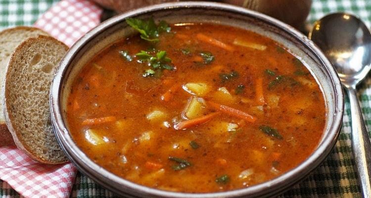 Суп из бычьего хвоста с овощами