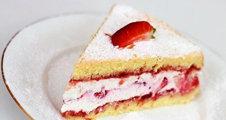 Фруктовый торт со сливочным маслом