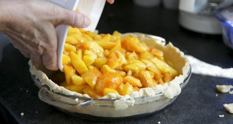 Печёные яблоки под медовым соусом