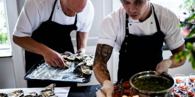 Что нужно уметь и знать для работы поваром?